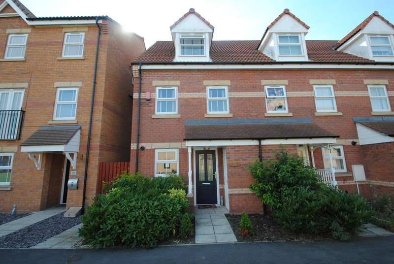 3 Bedrooms Town House for sale in Sanders Way, Dinnington