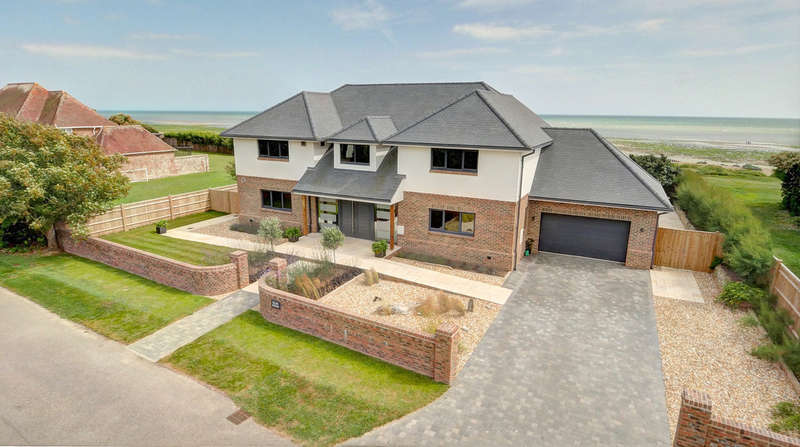 5 Bedrooms Detached House for sale in Gorse Avenue, East Preston