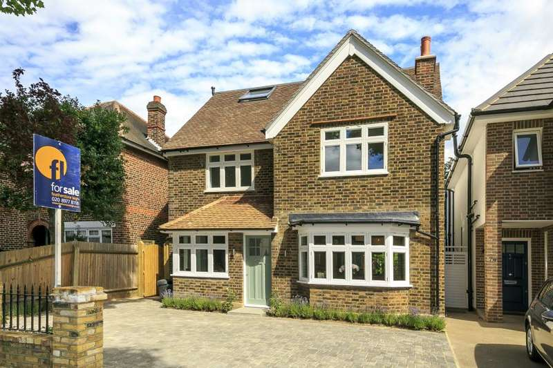 5 Bedrooms Detached House for sale in Gloucester Road, Hampton, TW12