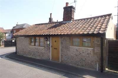2 Bedrooms Bungalow for rent in Corner Cottage, Rendham Road, Saxmundham