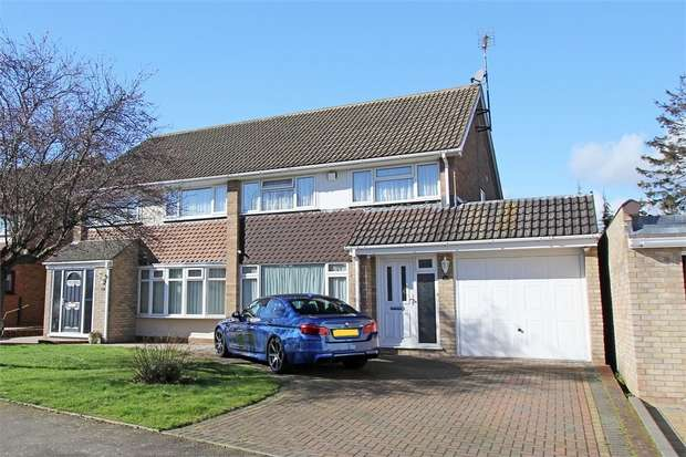 3 Bedrooms Semi Detached House for sale in Northwood Drive, Sittingbourne, Kent