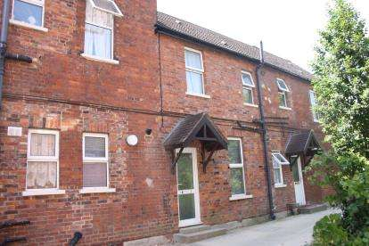 1 Bedroom Maisonette Flat for sale in Holly Lodge, 8 St. Andrews Road, Bedford, Bedfordshire