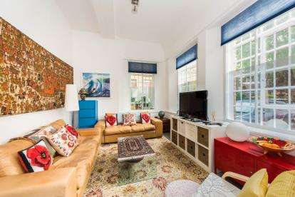 2 Bedrooms Flat for sale in Osterley Gardens, Chevy Road, Southall, Middlesex