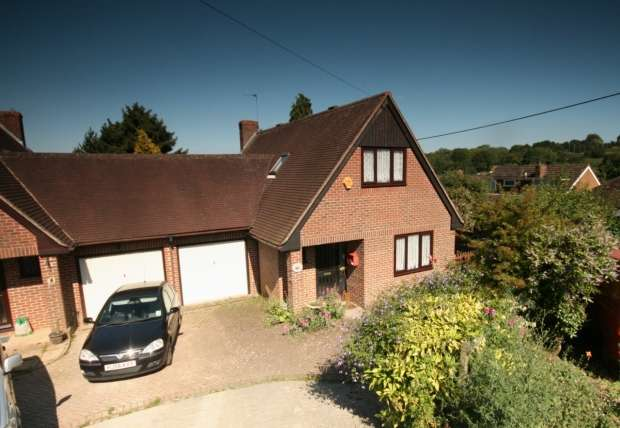 4 Bedrooms Semi Detached House for sale in Acremead Road Wheatley Oxford