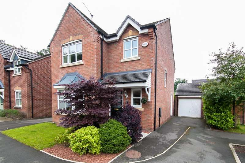 3 Bedrooms Detached House for sale in Swan Grove, Manchester, Greater Manchester, M46
