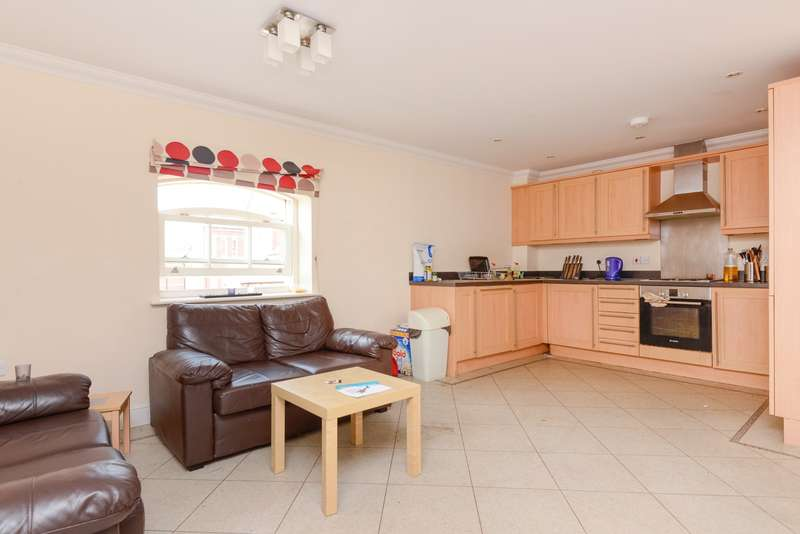 2 Bedrooms Apartment Flat for sale in George Roche Road, Canterbury, CT1
