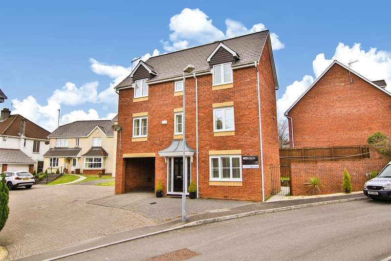 4 Bedrooms Detached House for sale in Millwood Gardens, Killay, Swansea