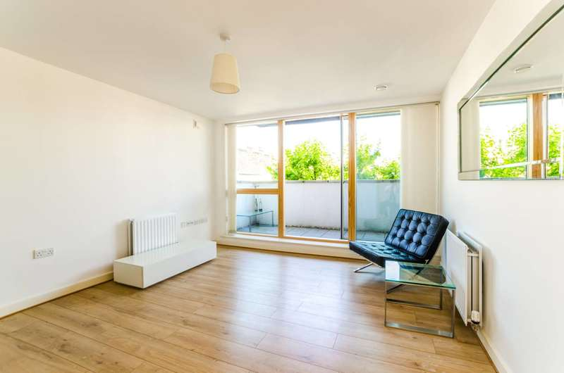 1 Bedroom Flat for sale in Sussex Way, Islington, N7