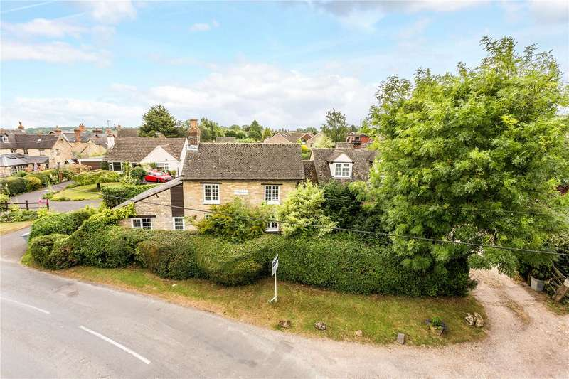 4 Bedrooms Detached House for sale in New Yatt Road, North Leigh, Witney, Oxfordshire, OX29