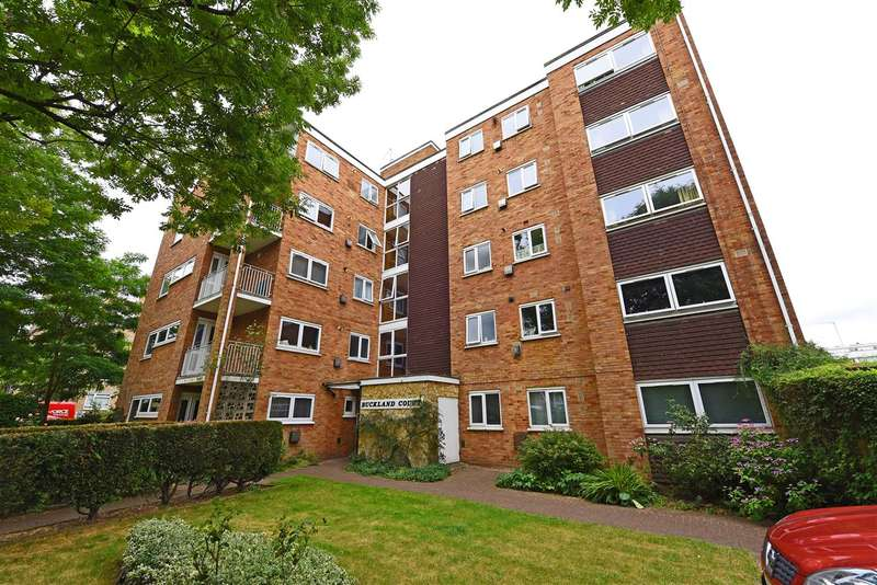 Studio Flat for sale in Buckland Court, St Johns Avenue, London