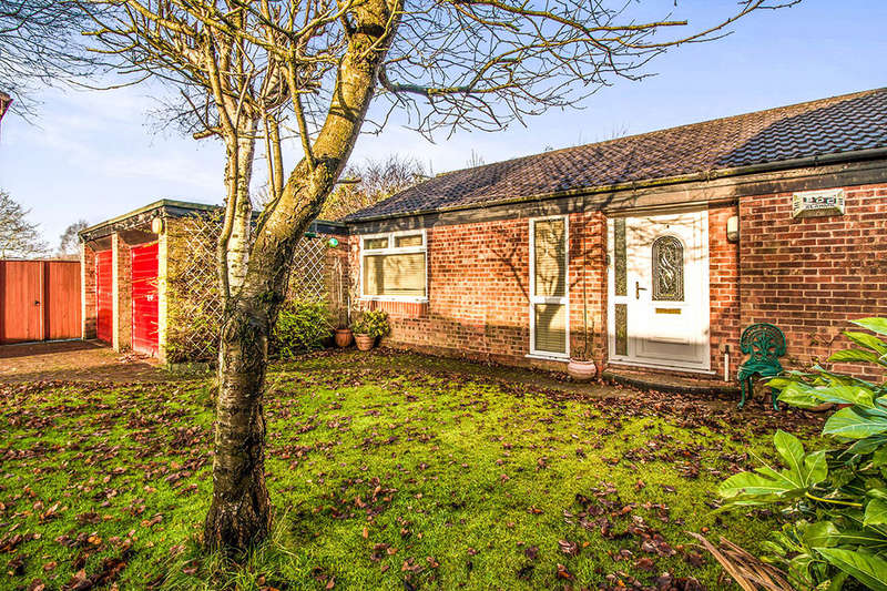 3 Bedrooms Detached Bungalow for sale in Ashling Court, Tyldesley, Manchester, M29