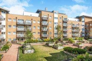 2 Bedrooms Flat for sale in Peebles Court, 21 Whitestone Way, Croydon