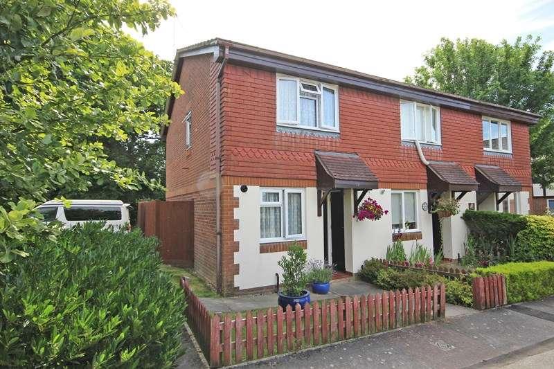 2 Bedrooms End Of Terrace House for sale in The Hyde, New Milton