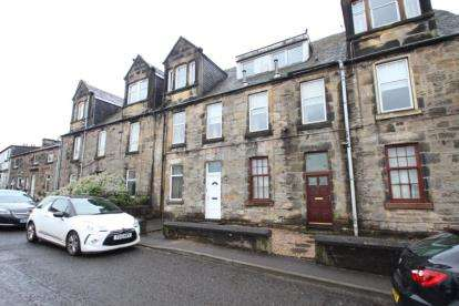 2 Bedrooms Flat for sale in Mains Road, Beith