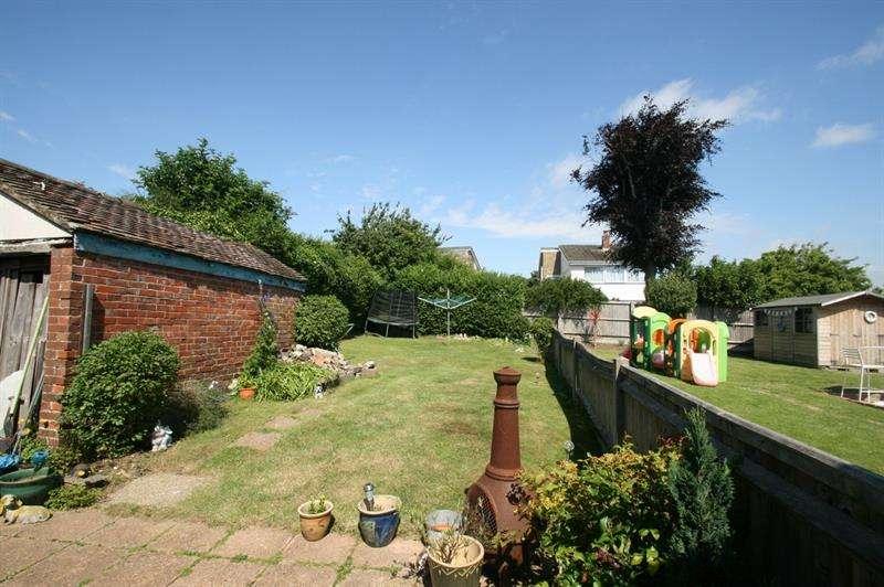 3 Bedrooms Semi Detached House for sale in Bedhampton Hill, Havant