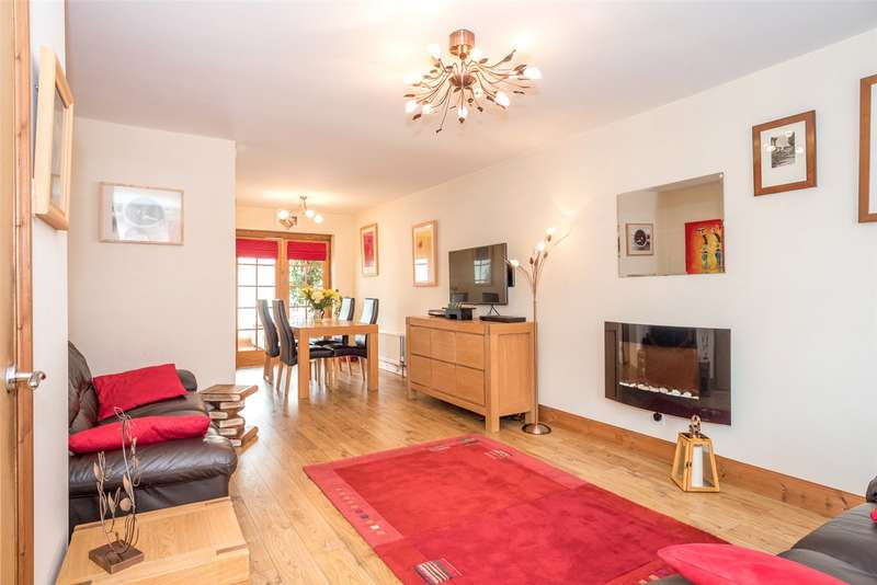 3 Bedrooms Detached House for sale in Hendon Garth, York, YO30