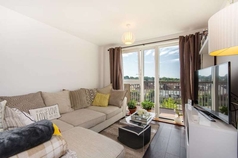 2 Bedrooms Flat for sale in Connersville Way, Croydon, CR0