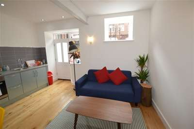 2 Bedrooms Flat for rent in Park Place, City Centre