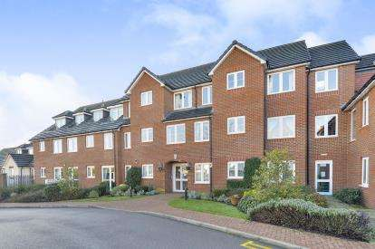 1 Bedroom Retirement Property for sale in Eden Court, Aylesbury Street, Milton Keynes, Buckinghamshire
