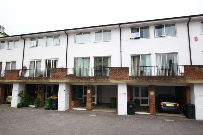3 Bedrooms Town House for sale in Hardwick Road, Eastbourne, BN21 4NY