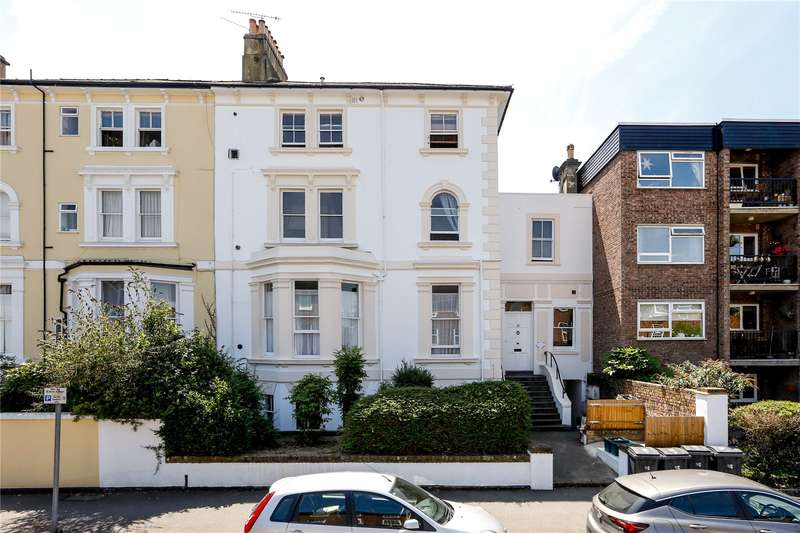 2 Bedrooms Flat for sale in Uxbridge Road, Kingston upon Thames, KT1