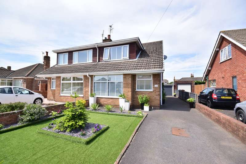 2 Bedrooms Semi Detached House for sale in Hesketh Road, Lytham St Annes, FY8