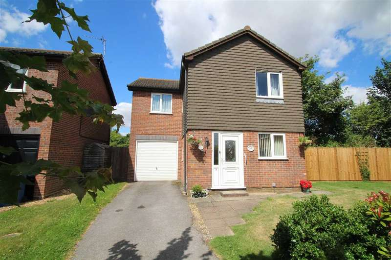 4 Bedrooms Detached House for sale in Wentworth Drive, Ipswich