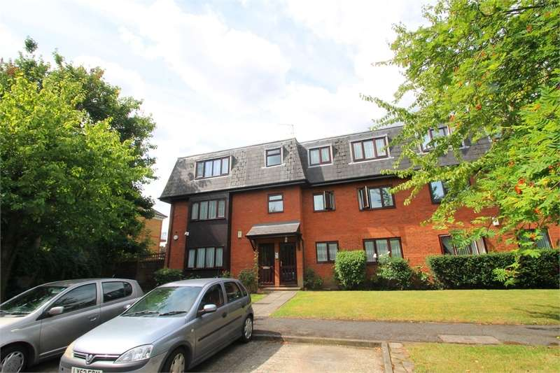 2 Bedrooms Flat for sale in De Bohun Avenue, N14