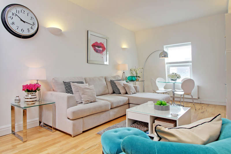 1 Bedroom Flat for sale in Parliament Square, Hertford
