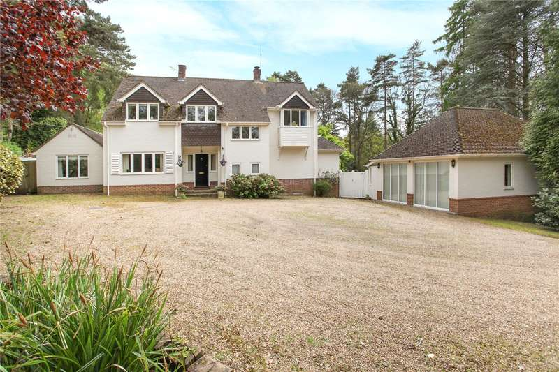 4 Bedrooms Detached House for sale in Botany Hill, The Sands, Farnham, Surrey, GU10