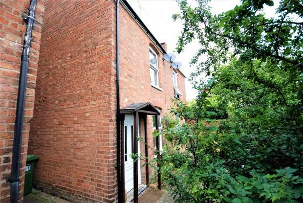 2 Bedrooms Semi Detached House for sale in Radford Cottages Leam Terrace, Leamington Spa, CV31