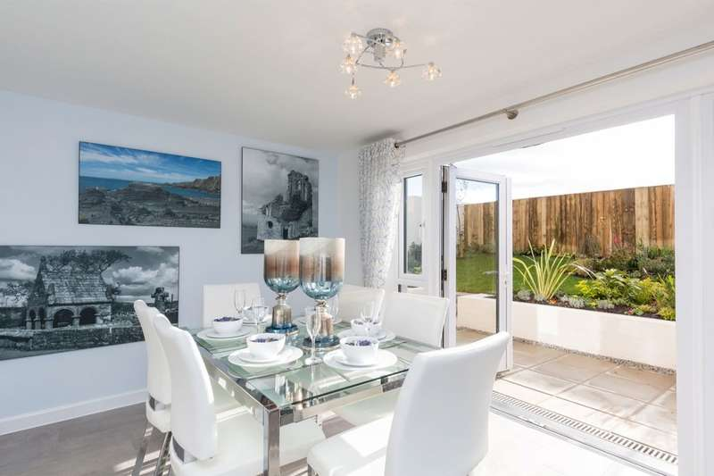 3 Bedrooms Property for sale in Jan Luke Way, Camborne, TR14