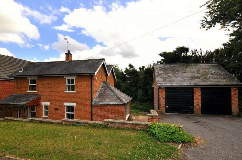 3 Bedrooms Cottage House for sale in Daggons Road, Alderholt, Fordingbridge, SP6 3TA