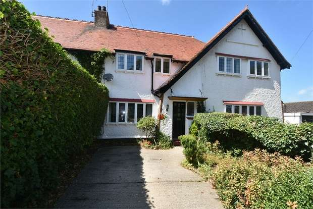 4 Bedrooms Terraced House for sale in Kingsgate Avenue, Kingsgate, Broadstairs, Kent