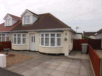 2 Bedrooms Bungalow for sale in Long Acre, Mablethorpe
