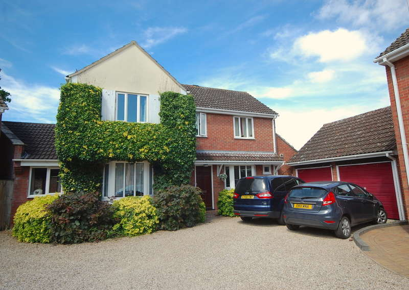 4 Bedrooms Detached House for sale in Bevington Mews, Witham, CM8