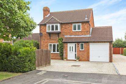 3 Bedrooms Detached House for sale in Hadrians Way, Abbeymead, Gloucester, Gloucestershire