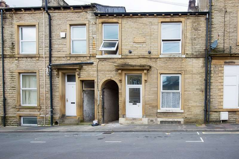 4 Bedrooms Terraced House for sale in Wellington Place, Halifax, West Yorkshire, HX1