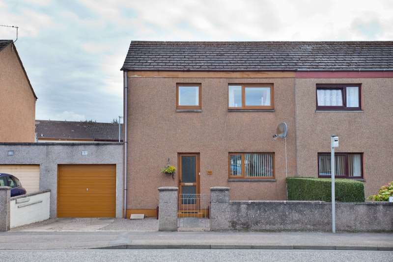 3 Bedrooms Semi Detached House for sale in Glenlossie Drive, Elgin, Morayshire, IV30