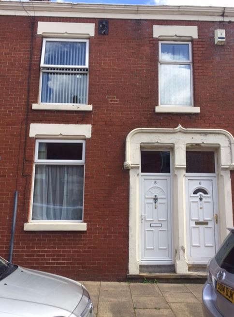 2 Bedrooms Terraced House for sale in St. Davids Road, Preston, PR1