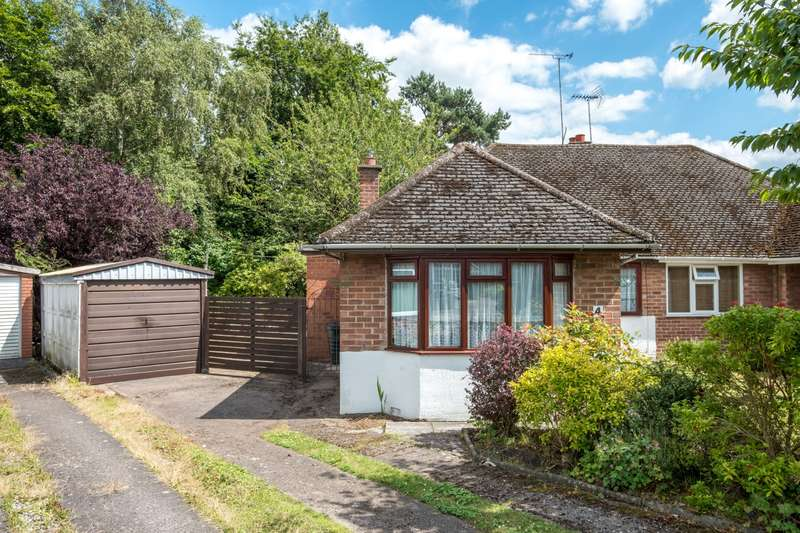 3 Bedrooms Bungalow for sale in 3 bedroom Bungalow Semi Detached in Cuddington