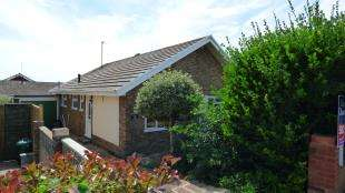 3 Bedrooms Bungalow for sale in Chailey Crescent, Saltdean, East Sussex, .