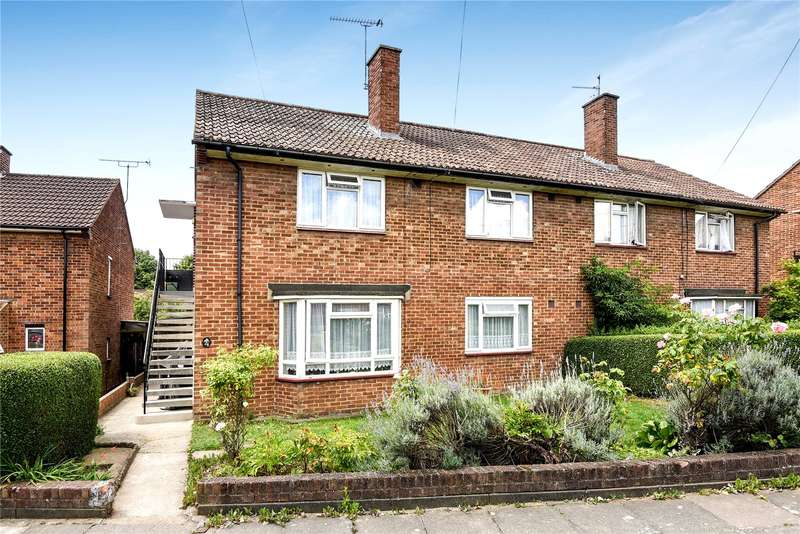 2 Bedrooms Maisonette Flat for sale in Redcar Close, Northolt, Middlesex, UB5