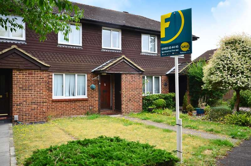 3 Bedrooms House for sale in Abingdon Close, St Johns, GU21