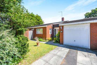 2 Bedrooms Bungalow for sale in Alscot Avenue, Fazackerly, Liverpool, Merseyside, L10