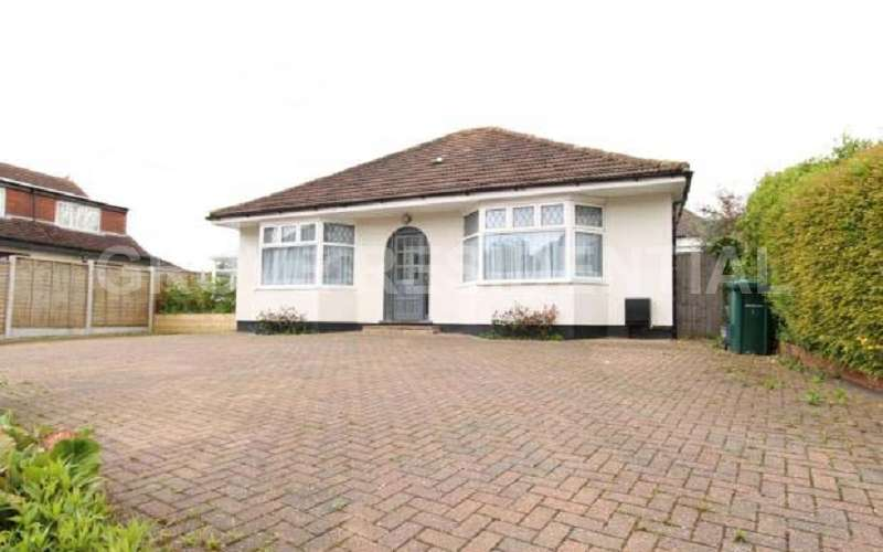 3 Bedrooms Bungalow for sale in Ranelagh Drive, Edgware