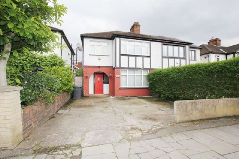 3 Bedrooms Semi Detached House for sale in Deans Lane, Edgware, Greater London. HA8 9NT
