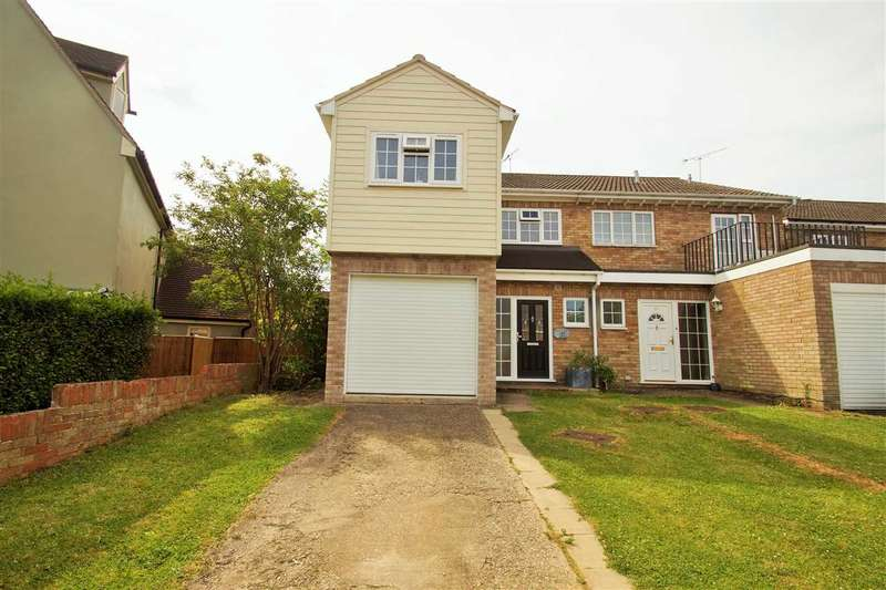 4 Bedrooms Semi Detached House for sale in Thornwood, Mile End, Colchester