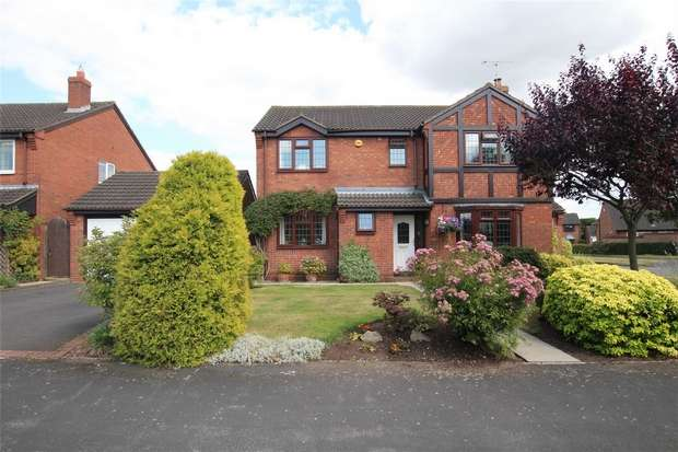 4 Bedrooms Detached House for sale in Warren Close, Lichfield, Staffordshire