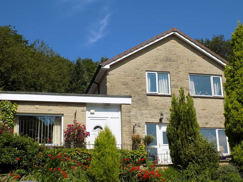 4 Bedrooms Semi Detached House for sale in Corbar Road, Buxton